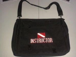Instructor tas